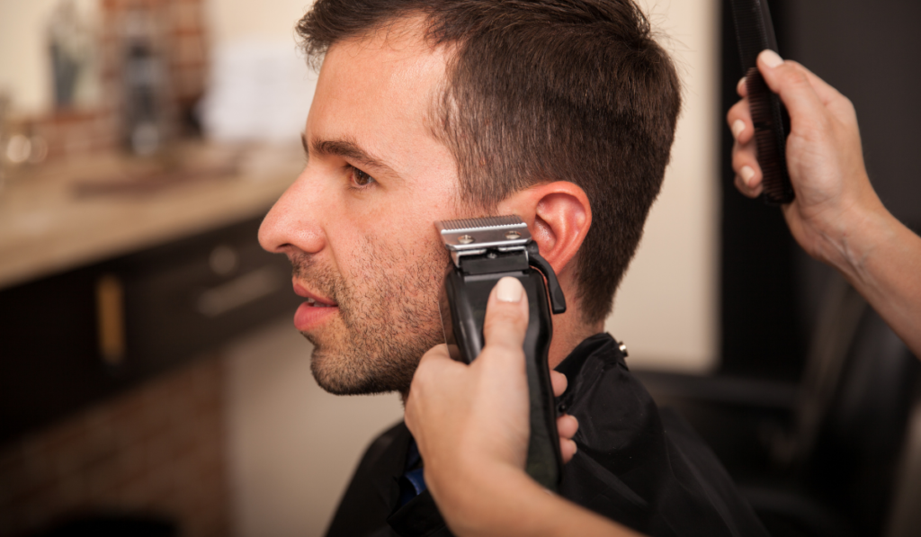 image showing how to use the trimmers to cut a sideburn